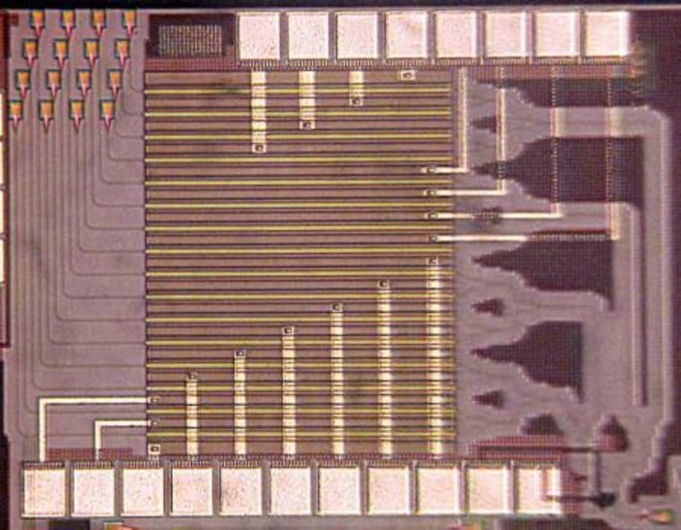 The optical phased array chip.