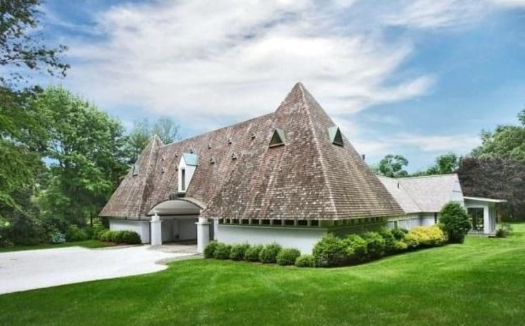 """This """"pyramid house"""" in Westport, Conn., is filled with unusual shapes."""