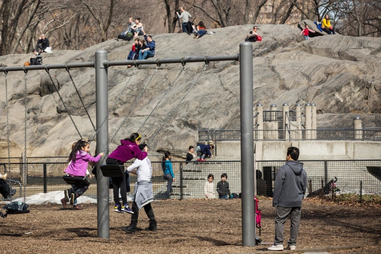 Image: New Yorkers Enjoy Brief Respite From Brutal Winter As Temperatures Hit High 50's