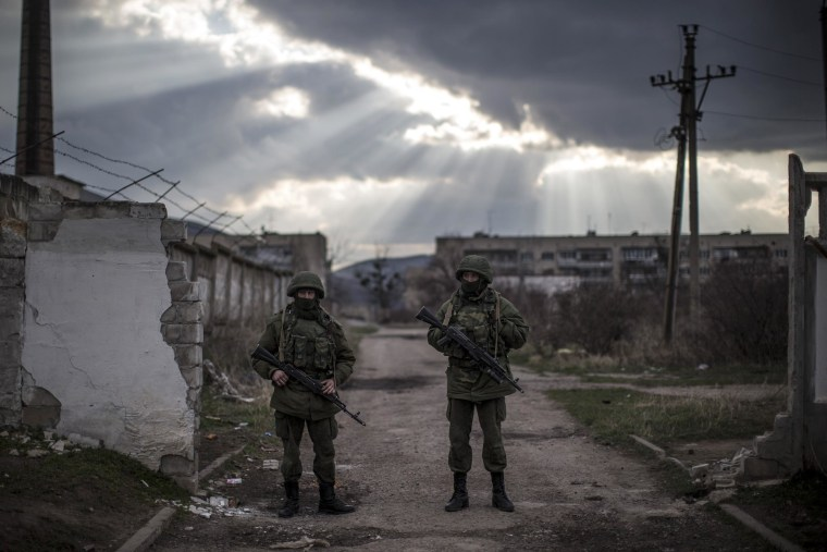 Image: Tensions Grow In Crimea As Diplomatic Talks Continue