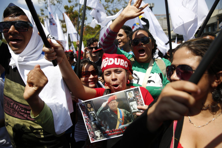 Image: Supporters of Venezuela's President Nicolas Maduro take part in a 'march for peace' in Caracas
