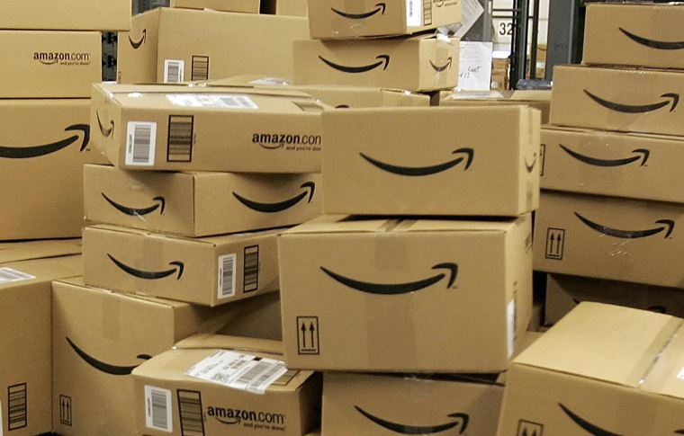Amazon.com offers employees at its fulfillment centers $2,000 to $5,000 to quit their jobs.