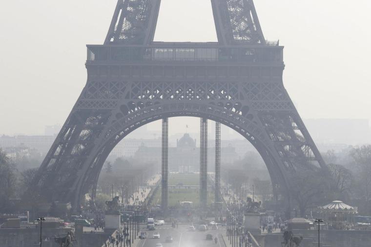 Image: FRANCE-PARIS-ENVIRONMENT-TRANSPORT-POLLUTION