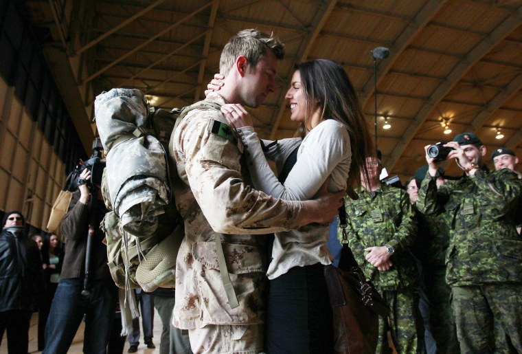 Image: CANADA-AFGHANISTAN-MILITARY-RETURN