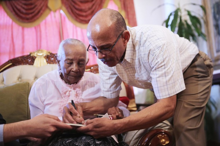 Image: Braulia Fabian, 101, becomes a naturalized citizen of the United States