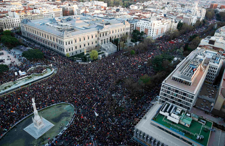 Image: Tens of thousands of protesters take part in an anti-austerity demonstration in Madrid