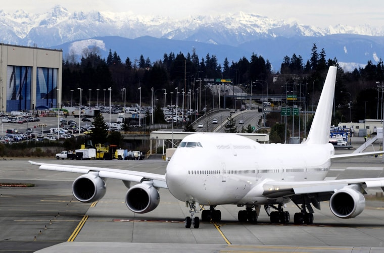 FAA orders Boeing to immediately fix a potentially dangerous software glitch on the Boeing 747-8 airliner