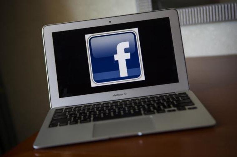 A portrait of the Facebook logo in Ventura