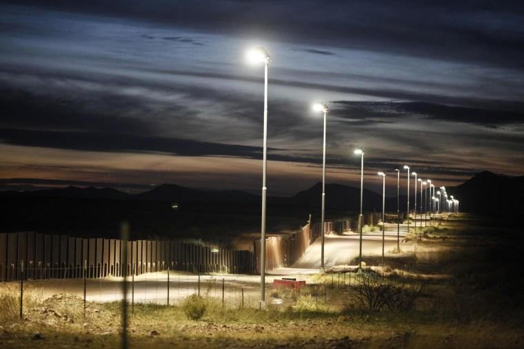 Image: The Arizona-Mexico border fence near Naco