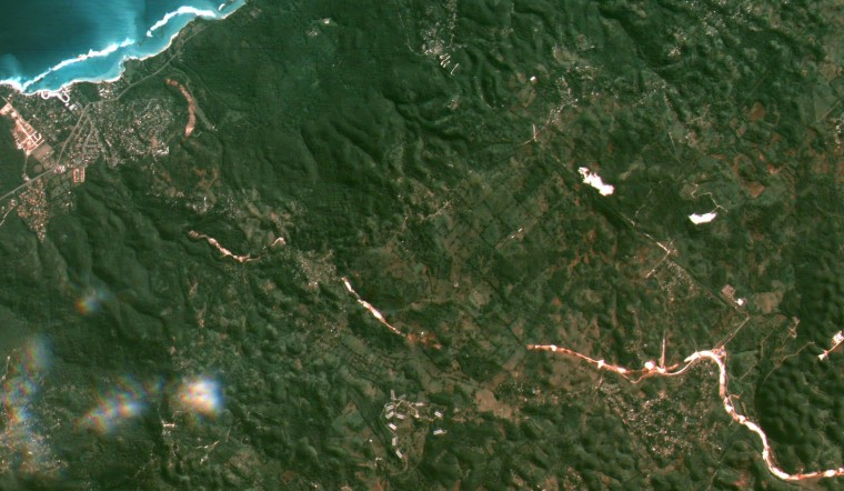A crop of a larger image, showing Steer Town on the left and Moneague on the right. North in this image is not straight up but rather diagonally up and to the left.