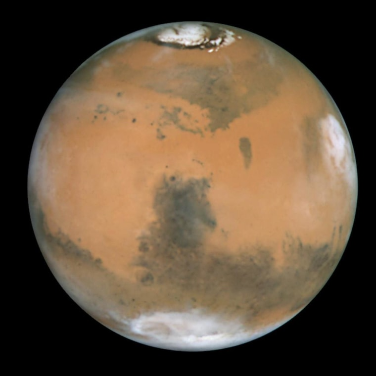 Red Planet Rising: Mars Shines Brighter Than It Has in Years