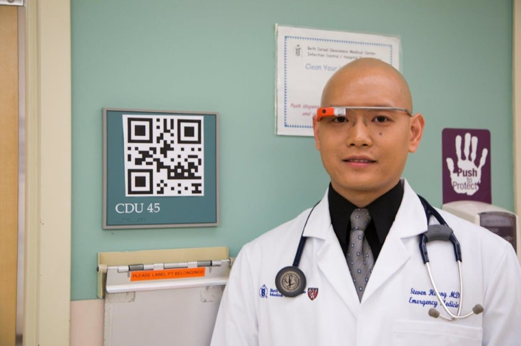 Steven Horng, MD, of Beth Israel Deaconess Medical Center wearing Google Glass