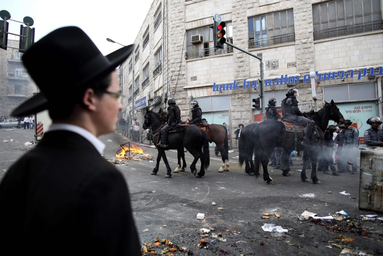 Image: Demonstration of ultra-Orthodox Jews in Mea Shearim