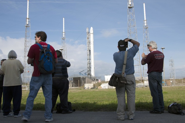 SpaceX Postpones Launch to Space Station Until Friday
