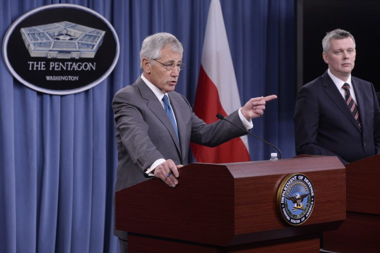 Image: US Secretary of Defense Chuck Hagel and Defense Minister of Poland Tomasz Siemoniak