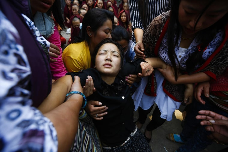 Image: Funeral for victime of Everest avalanche