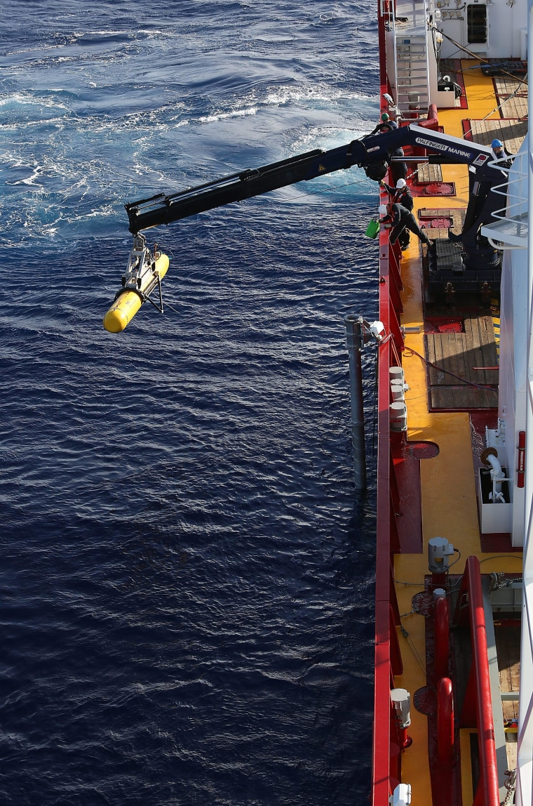 Image: Bluefin-21 is craned into southern Indian Ocean on April 16
