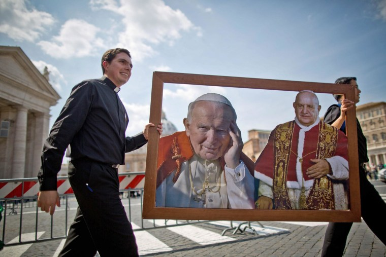 Image: Waiting for canonization of John Paul II and John XXIII