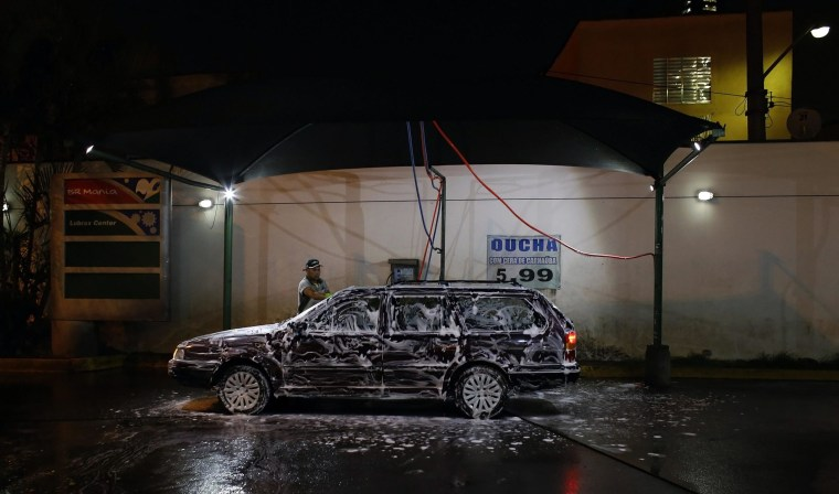Bye bye car wash farewell wipers future cars wont get dirty the car wash could become a thing of the past as manufacturers develop cars that won solutioingenieria