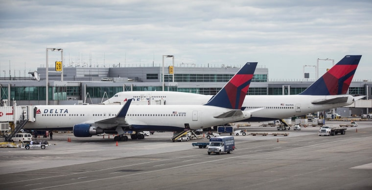 Airlines See Decline In Revenue From Baggage Fees