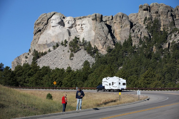 Image: Mt. Rushmore Closed Due To Government Shutdown