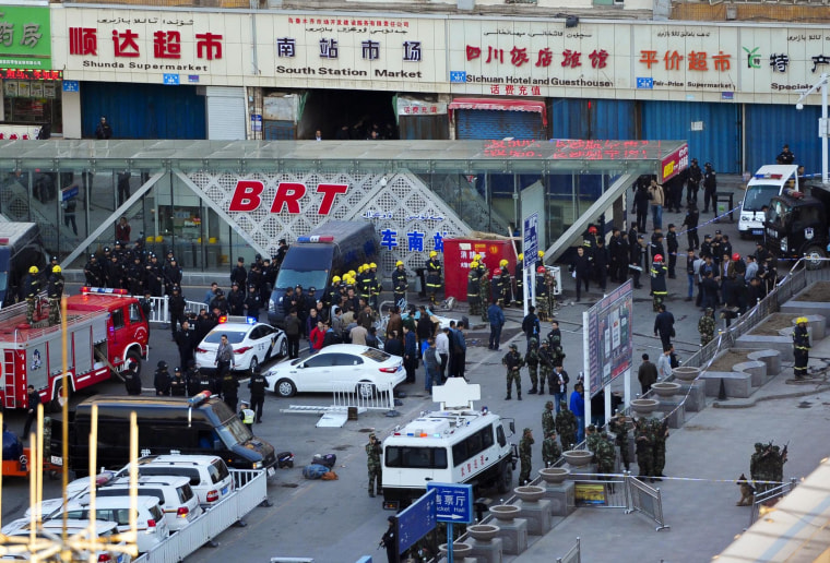 Image: A bombing at railway station in Urumqi, northwest China