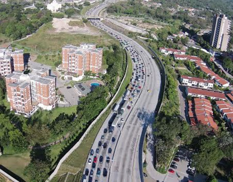 A traffic jam in San Salvador captured by a drone launched by La Prensa Grafica.