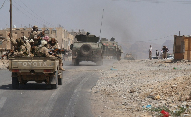 Image: Yemeni troops they take part in an offensive against extremists in the southern province of Shabwa, on May 7