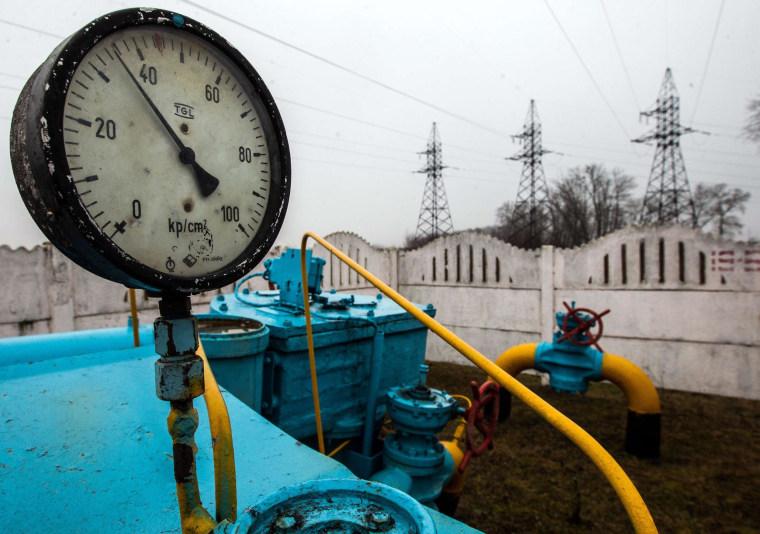 Russia Threatens to Shut Off Gas to Ukraine Next Month