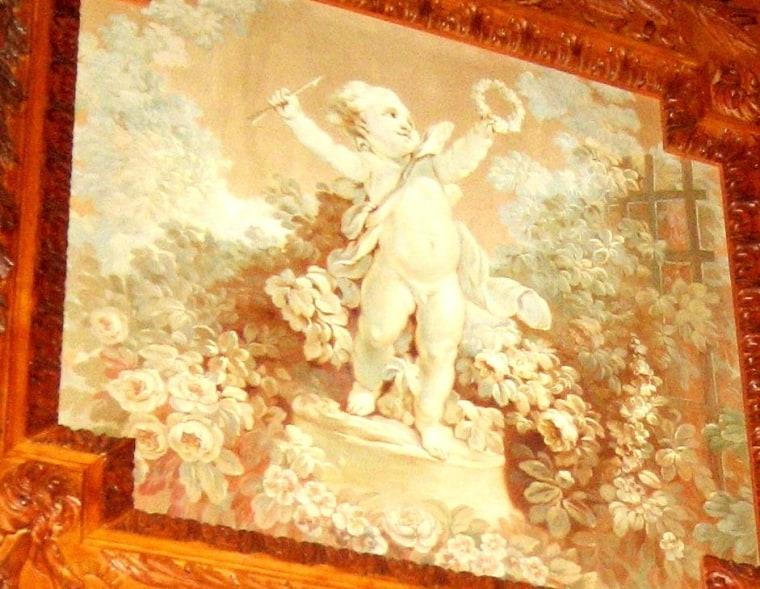 Image: a wall panel inside Bellosguardo