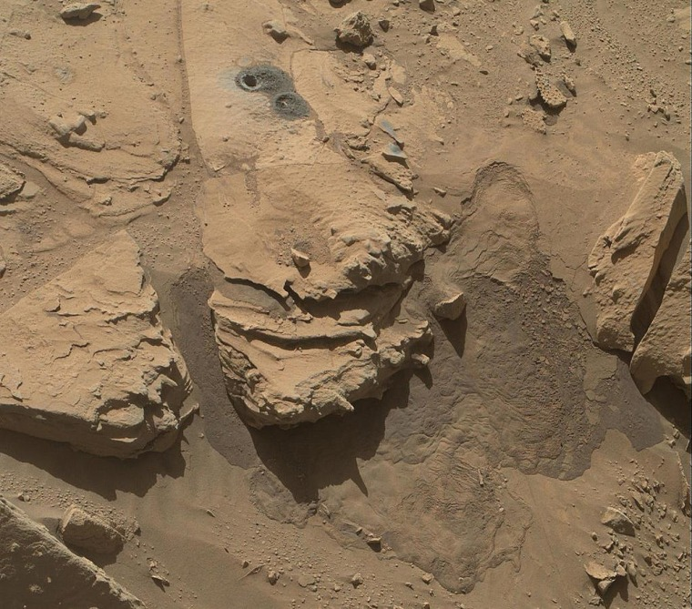 Image: Holes on Mars