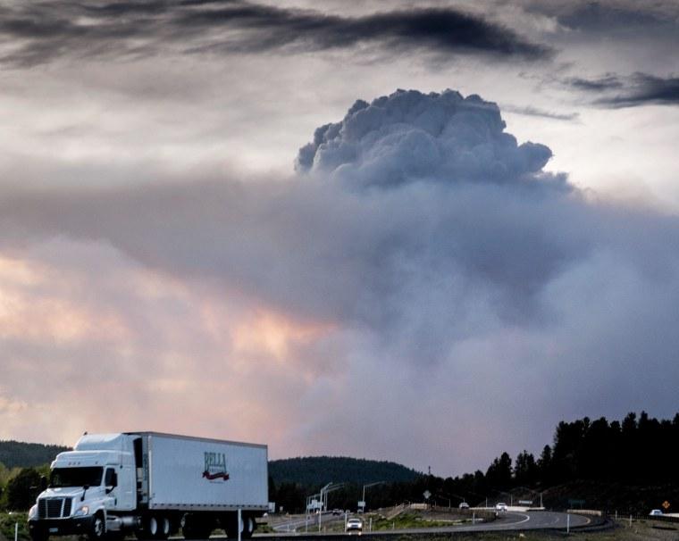 Image: Slide Fire burns in Arizona