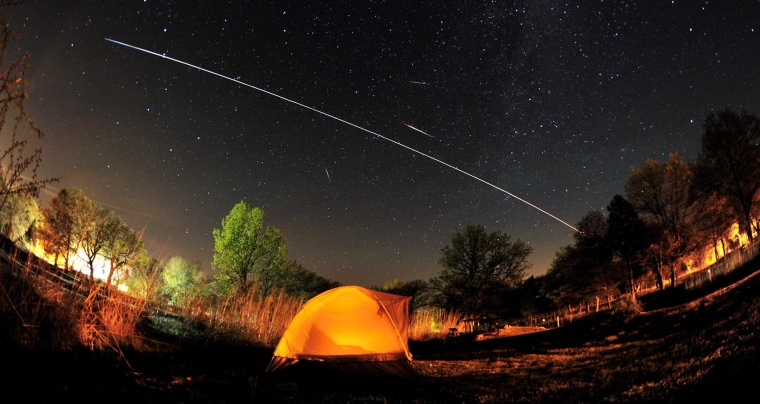 Image: Meteors and ISS
