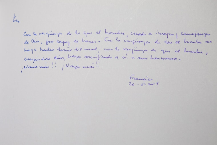 Image: A note written by Pope Francis in the guest book of the Yad Vashem Holocaust memorial