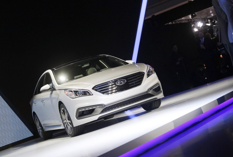 Hyundai to Recall 305,000 Sonatas to Repair Brake Light Problem