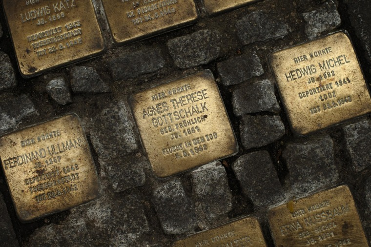 Image: Memorial to Holocaust victims