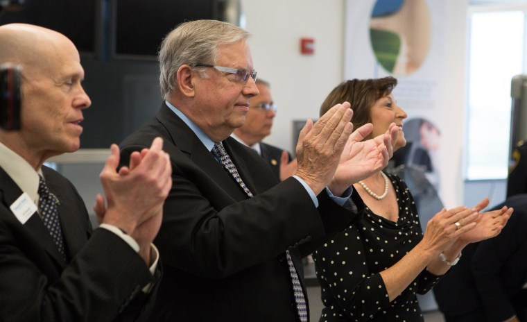 Image: Jeff Erickson, CEO of PEOPLExpress airlines, Newport News City Manager Jim Bourey, left, and Peninsula Airport Commission Chair Ladonna Finch