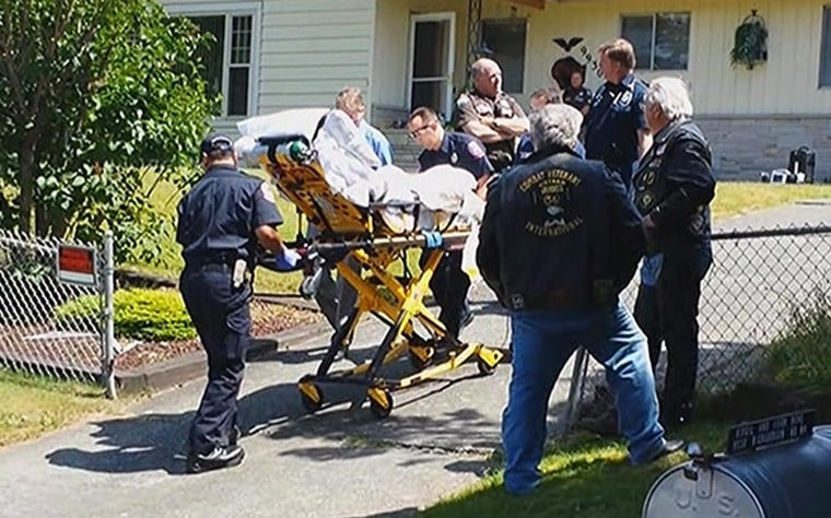 Image: Casey Kasem is taken from his house on a stretcher