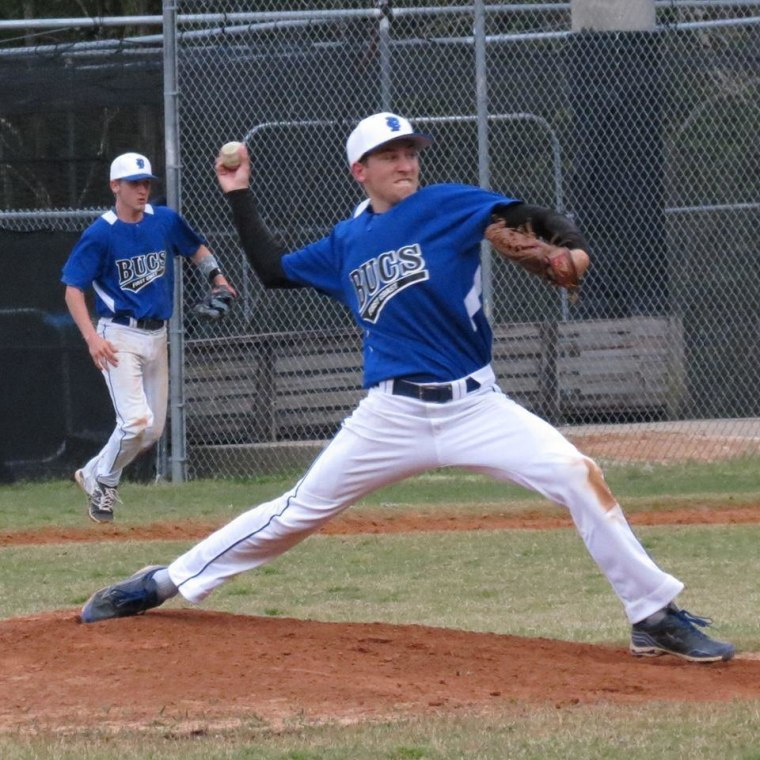 Griffin Furlong throws a pitch.