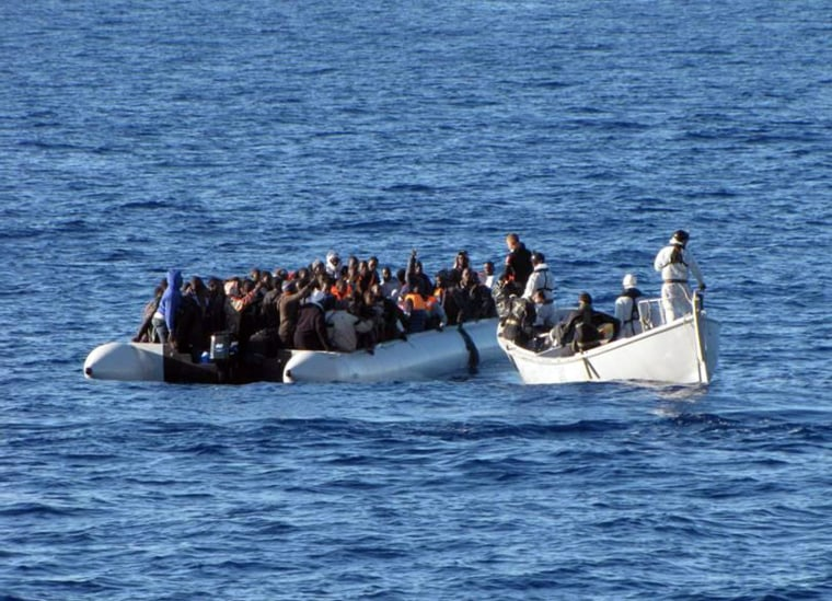 Image: Italian Navy rescues more than 2,500 migrants during 24 hours opeartion