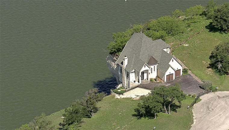 The house on Lake Whitney before the fire (NBC News 5)