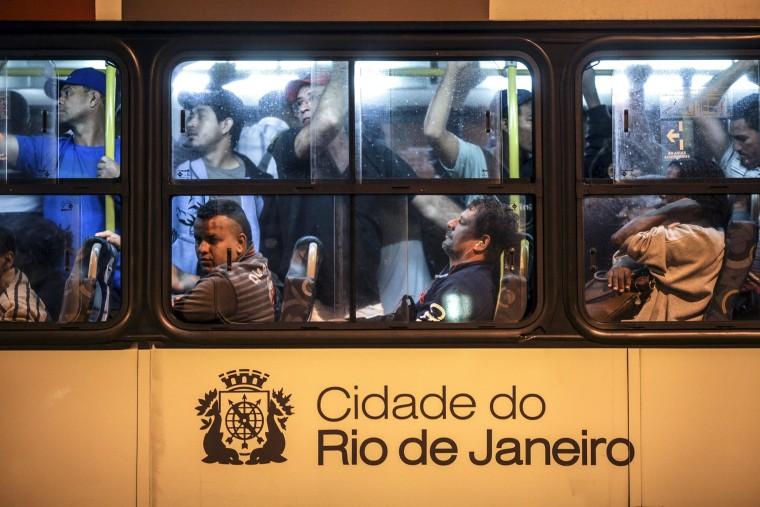 Image: 48-hour bus drivers strike in Rio de Janeriro