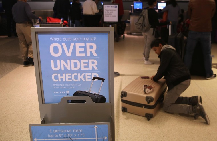 Image: carry-on baggage sizer