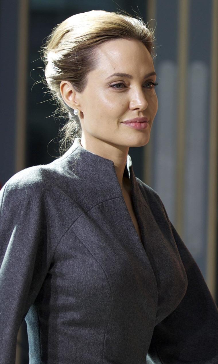 Image: Angelina Jolie and Brad Pitt in London