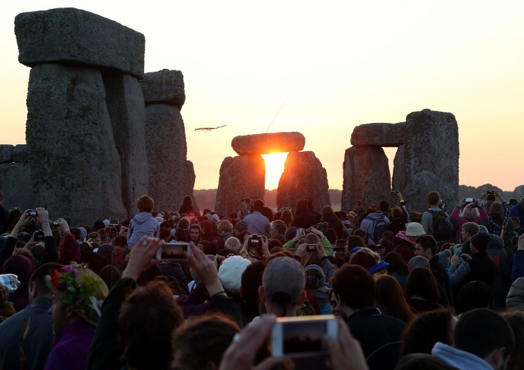 Image: BRITAIN-LIFESTYLE-TRADITION-ARCHAEOLOGY-SOLSTICE