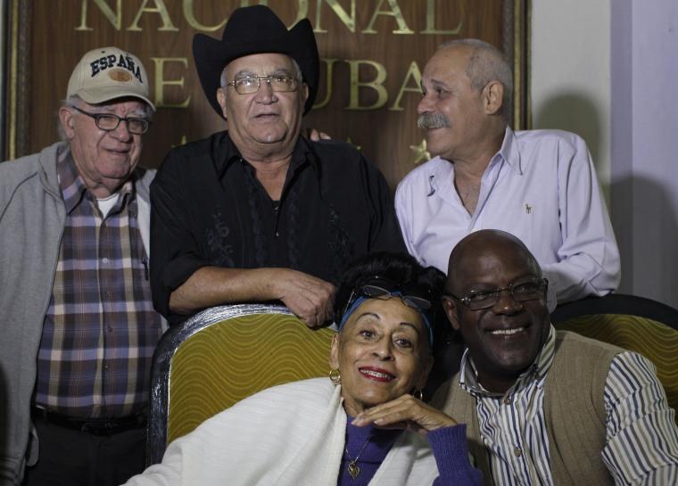 Image: Omara Portuondo, Jesus Aguaje Ramos, Luis Manuel Guajiro Mirabal, Eliades Ochoa, Barbarito Torres
