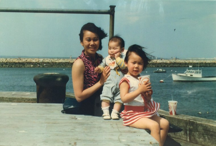 Sahra Vang Nguyen and her family in 1987.