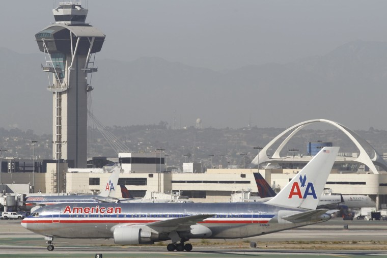 Image: Plane at Los Angeles International Airport