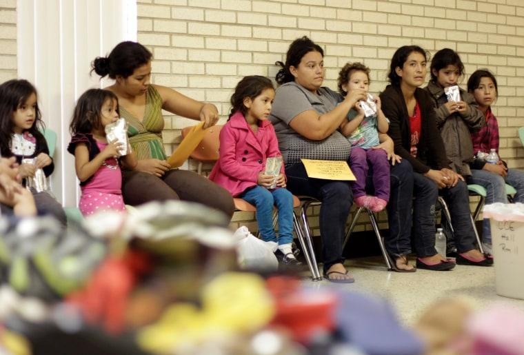 Image: Migrants in Texas