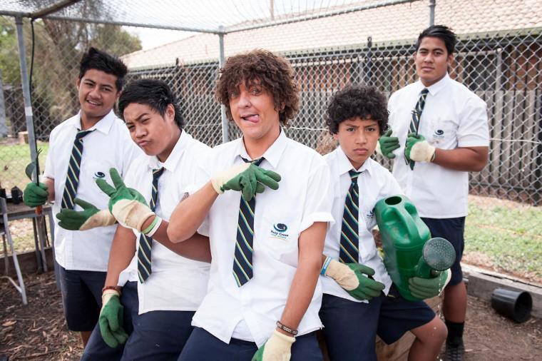 Chris Lilley (center) stars as Jonah Takalua